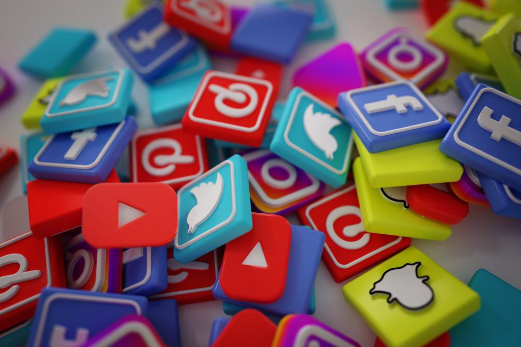 Logos bekannter Social-Media Plattformen